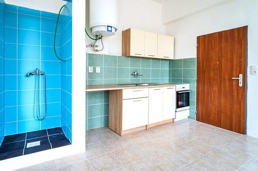 prodej bytu garsoniera osobni vlastnictvi 28m slabce kuchyn