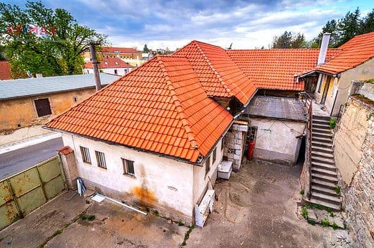 prodej domu 247m klobuky strecha