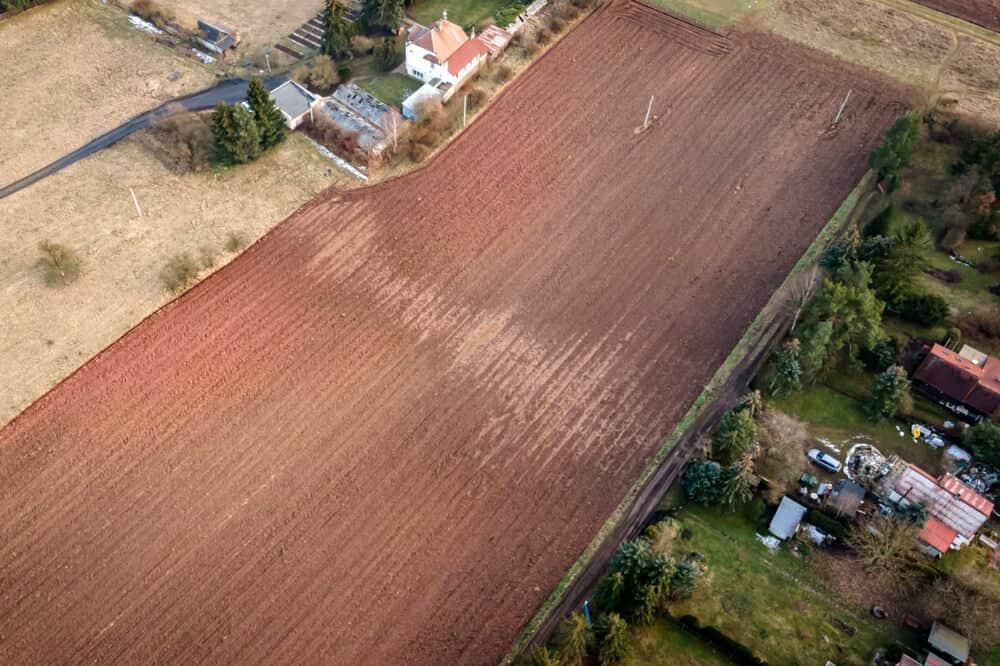 prodej pozemku 14121 m luzna vzhled