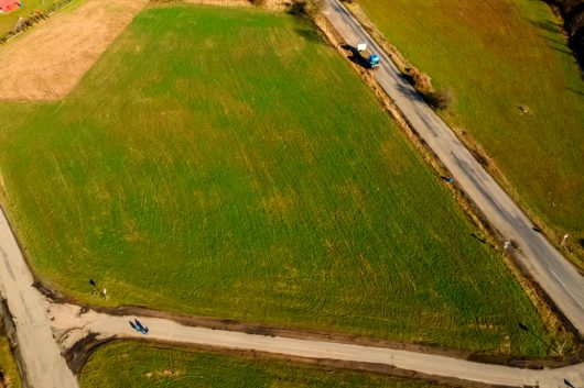 prodej pozemku 5569m velvary trava