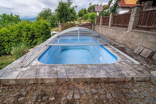 prodej chata chalupa 62m chlumec strizovice bazen venku